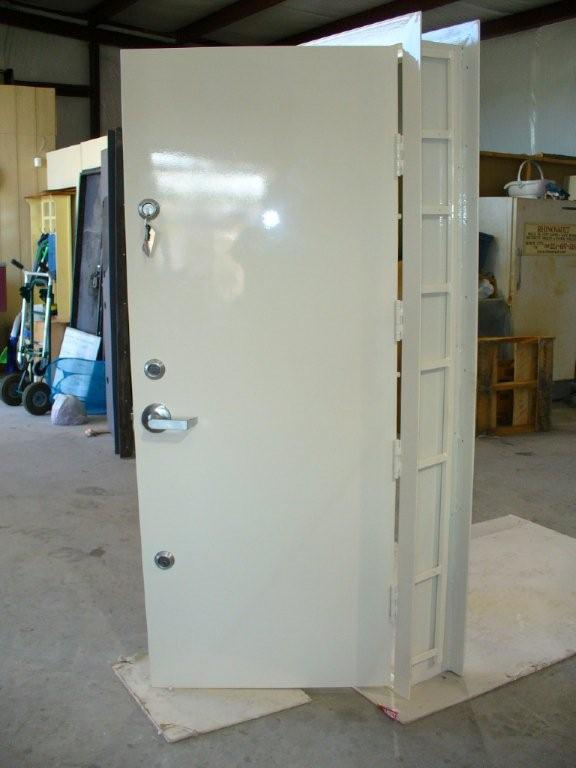 Safe room doors safe doors security doors safe room door for Safe room