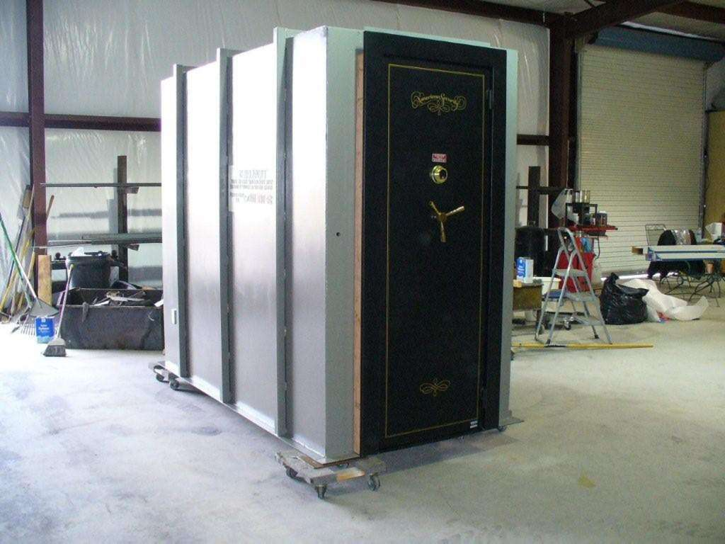 Built in gun safe room security sistems for Safe room