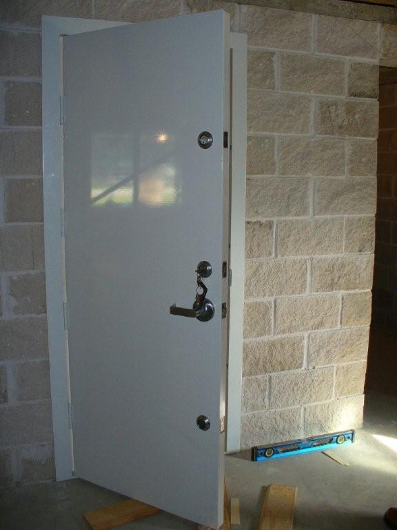 Safe room doors safe doors security doors safe room door for Walk in safes for homes