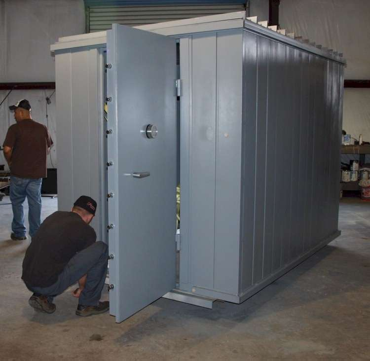 Gun vault gun vaults gun safe modular gun vaults for How to build a gun safe room